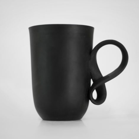 tassen, porzellan_und_keramik, wohnen, GROßER MOBIUS BECHER - SCHWARZ - fil czarna 470x470