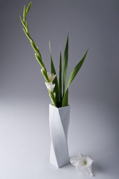 vases, porcelain_and_ceramics, interior-design, HIGH TWIST VASE - Wazon Twist wysoki 470x706