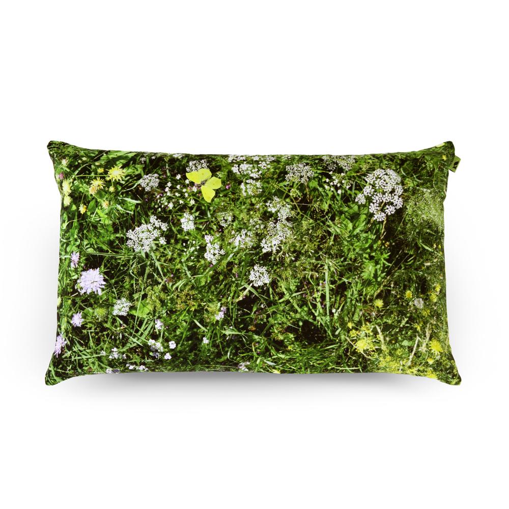 wohntextilien, wohnen, kissen, HAYKA ALPENWIESE KISSEN GEFÜLLT MIT BUCHWEIZENSCHALEN - Alpine Meadow 50x30 buckwheat packshot