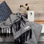 , WOOL BLANKET RURU BLACK - hop 27 90x90