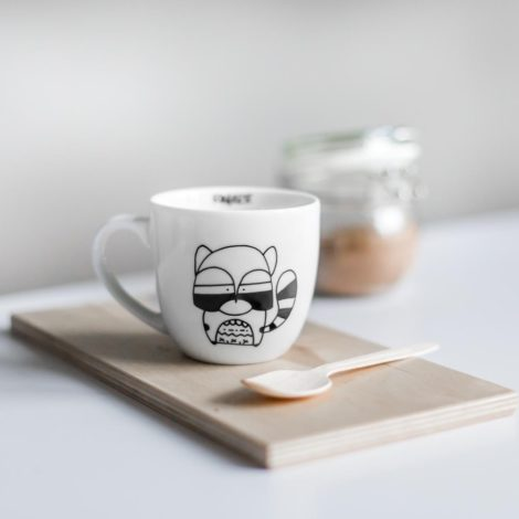 cups, porcelain_and_ceramics, interior-design, MUG RACOON - WASCHBÄR 470x470