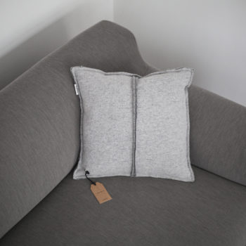 , CUSHION SIMPLE LIGHT GREY - QY1C1889 350x350