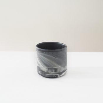 tassen, porzellan_und_keramik, wohnaccessoires, wohnen, blumentoepfe, BECHER MARBLED BLACK 500 - MUG 250 DARK MARBLE W01 350x350