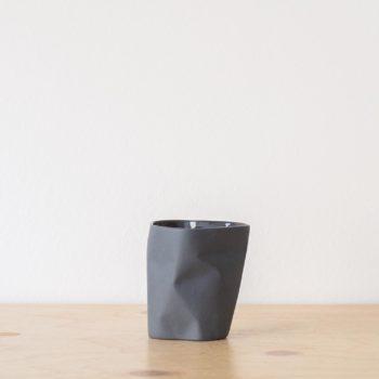cups, porcelain_and_ceramics, interior-design, BIG BENT CUP GRAPHITE GREY - QY1C8678 2 350x350