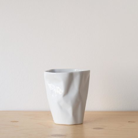 cups, porcelain_and_ceramics, interior-design, BIG BENT CUP - QY1C8683 2 470x470