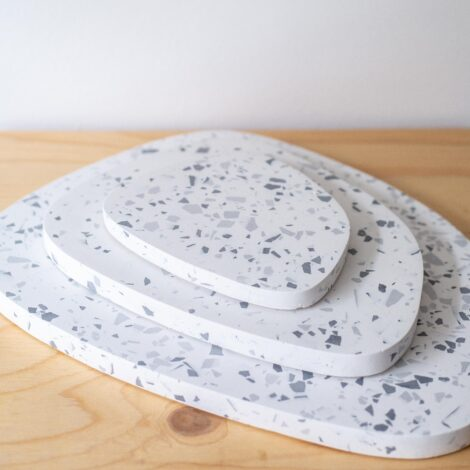 home-accessories, interior-design, holders-and-trays, ASYMMETRICAL TRAY GREY TERRAZZO S - QY1C9595 470x470