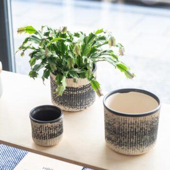 home-accessories, interior-design, flower-pots, FLOWER POT SPHERE BLACK SNOW - QY1C9900 350x350