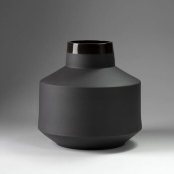 vases, porcelain_and_ceramics, interior-design, VASE BERTA BLACK - wazon berta czarny 350x350